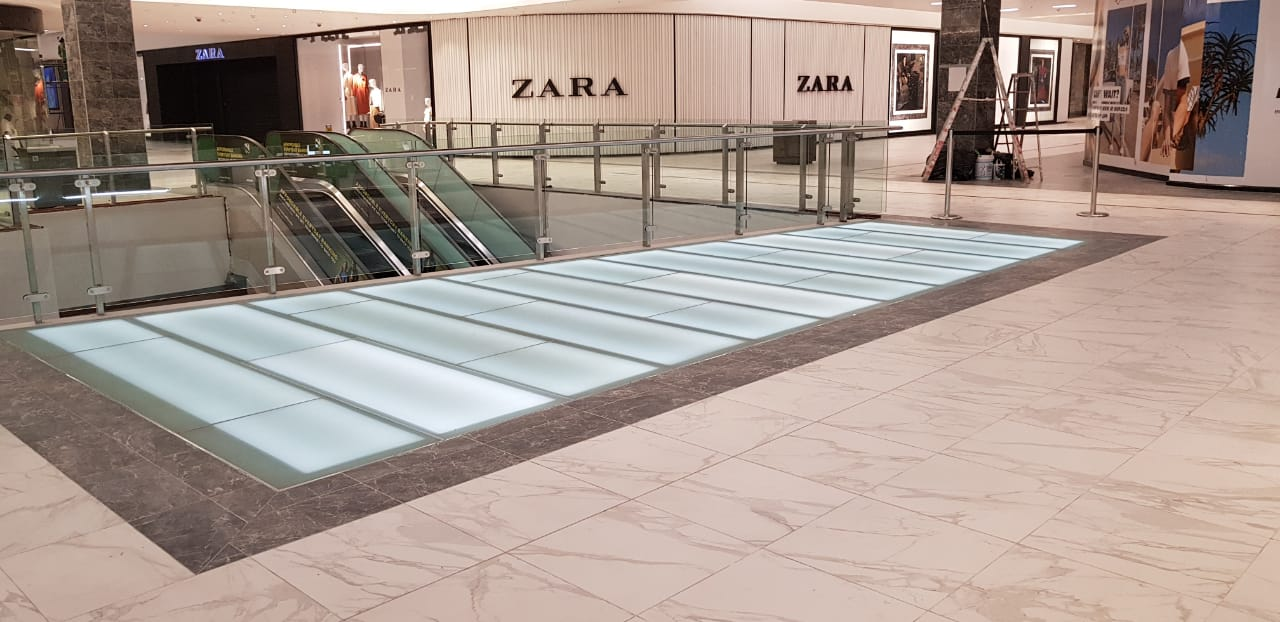 Glass Floor Eastgate 04